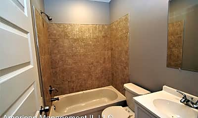 Bathroom, 1017 St Paul St, 2