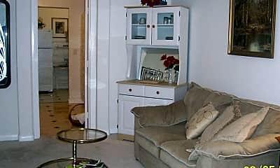Living Room, 10000 Bermuda Rd, 1