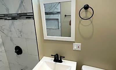 Bathroom, 3342 W Douglas Blvd, 1