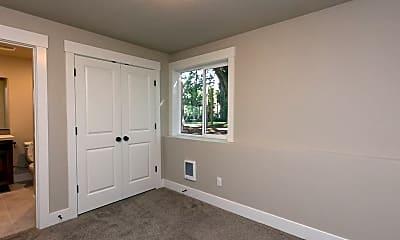 Bedroom, 2022 SE Harold St, 2