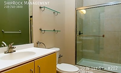Bathroom, 10 W 1St St - #202, 1