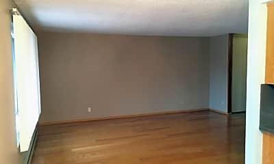 Living Room, 18524 Linden Ave N, 1