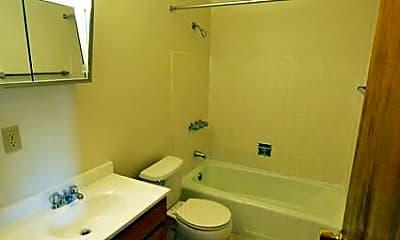 Bathroom, 1001 E Rich St, 1