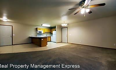 Living Room, 1418 E Redwood Blvd, 1