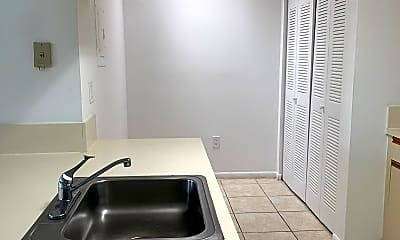 Kitchen, 17500 NW 67th Pl, 1