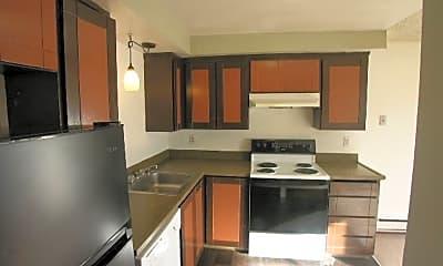 Kitchen, 1423 E 64th St, 2