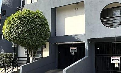 Building, 827 S Wilton Pl, 1