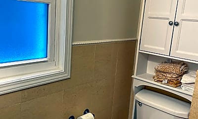Bathroom, 109 S 21st St, 2