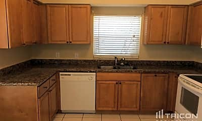 Kitchen, 1119 Hardwood Dr, 1
