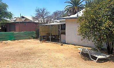 Building, 620 E Mabel St, 2