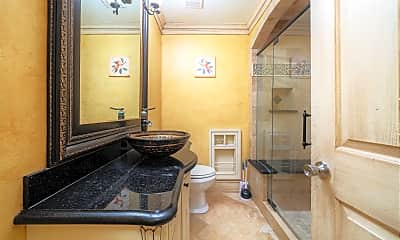 Bathroom, Room for Rent -  a 11 minute walk to bus stop Bell, 1