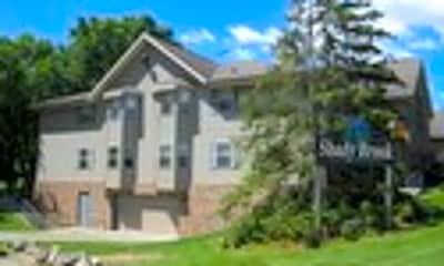 Building, 170 W Pioneer Rd, 1