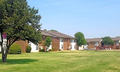 Courtyard, Kingswood, 2