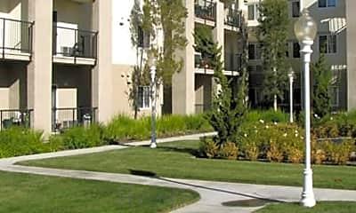 Solano Vista Apartments, 2