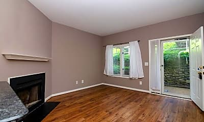 Living Room, 3204 West End Cir, 1