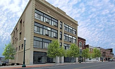 Building, Green Oaks Apartments, 0