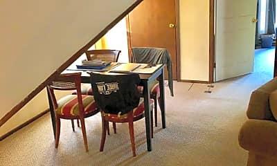 Living Room, 2901 N Prospect Ave, 2