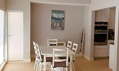Dining Room, 2828 Cleveland St, 2