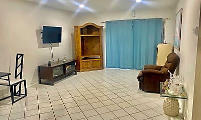 Living Room, 2547 Emory Dr W F, 1