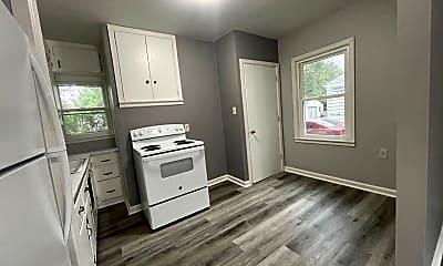 Living Room, 333 Lamont St, 1