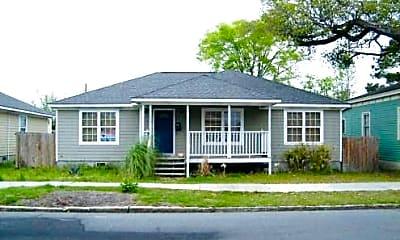 Building, 652 E Anderson St, 0