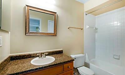 Bathroom, Hampton Point Apartments, 2