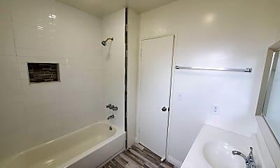 Bathroom, 10121 Samoa Ave, 2