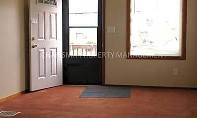 Bedroom, 905 N Blauvelt Ave, 1