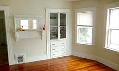 Living Room, 19 Auburn St, 1