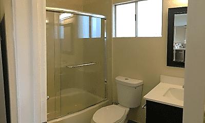 Bathroom, 1812 E 17th St, 2