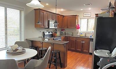 Kitchen, 411 Conestoga Rd 14, 0
