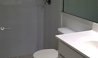 Bathroom, 15 N Valencia Dr 7-33, 2