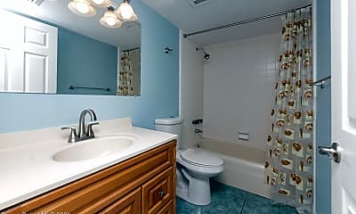 Bathroom, 3222 Nottingham Ln, 2