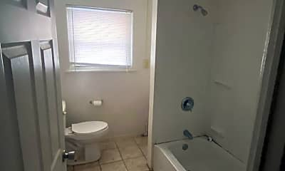 Bathroom, 404 Winterburn Ave, 2