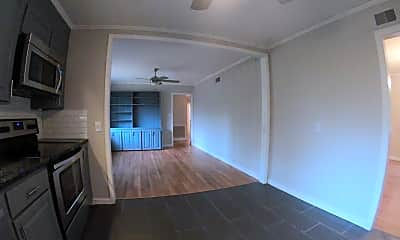 Kitchen, 1052 Parkwood Pl, 2
