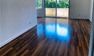Living Room, 5900 Murietta Ave 203, 0