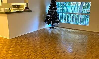 Living Room, 5320 Zelzah Ave 314, 1