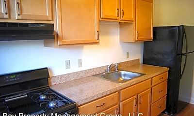 Kitchen, 2978 Cornwall Rd, 2