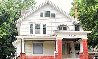 Building, 165 Littleton St, 1