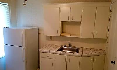 Kitchen, 70 Atkinson St, 1