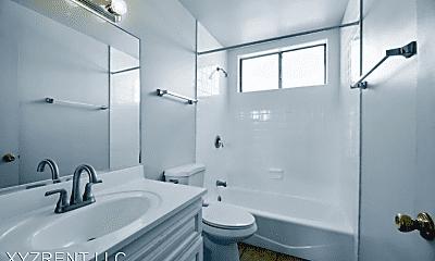 Bathroom, 2643 S Centinela Ave, 2