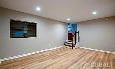 Living Room, 886 St Charles Ave NE, 1