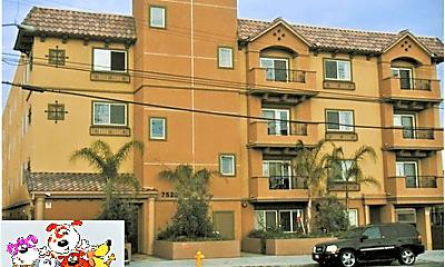 Building, 7526 Laurel Canyon Blvd, 0