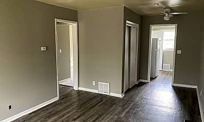 Living Room, 4323 E Linwood Blvd, 0