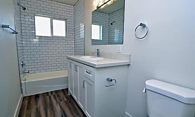 Bathroom, 312 N Hartford St 10, 2