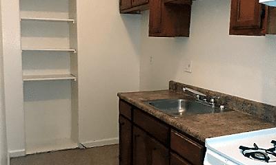 Kitchen, 1355 Alamitos Ave, 0