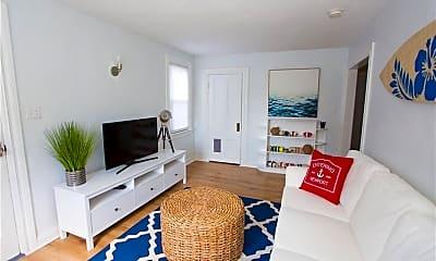 Bedroom, 111 Aquidneck Ave, 1