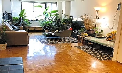 Living Room, 35 River Dr S, 0