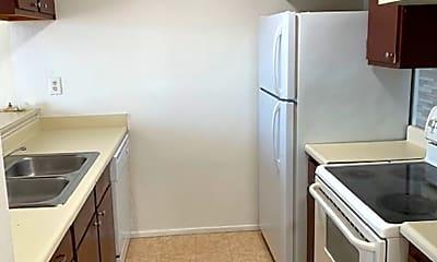 Kitchen, 1505 Roosevelt Ave, 1