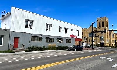 Building, 1402 Belknap St, 1